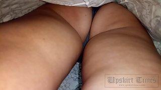 Ut_3537# When a girl wears a short skirt, you can get good close-ups. In this video, I explored in d