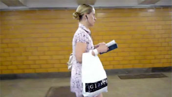 Ut_1078# A hot blonde in amazing mini skirt was waiting a bus! It was a moment for upskirt pussy vid